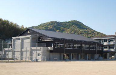 宮中学校体育館のサムネイル画像